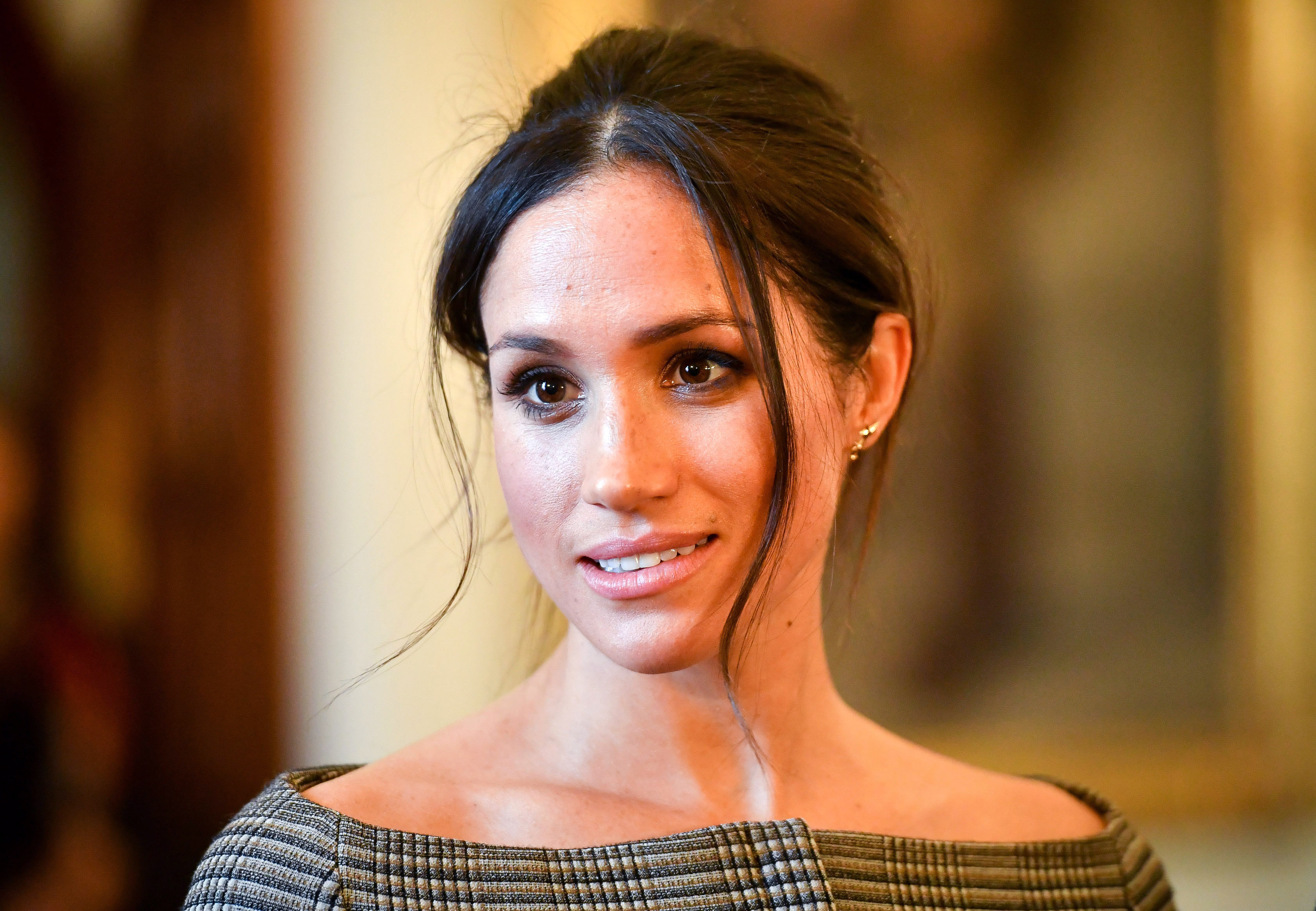 Meghan Markle has denied claims that her father contacted her before the royal wedding