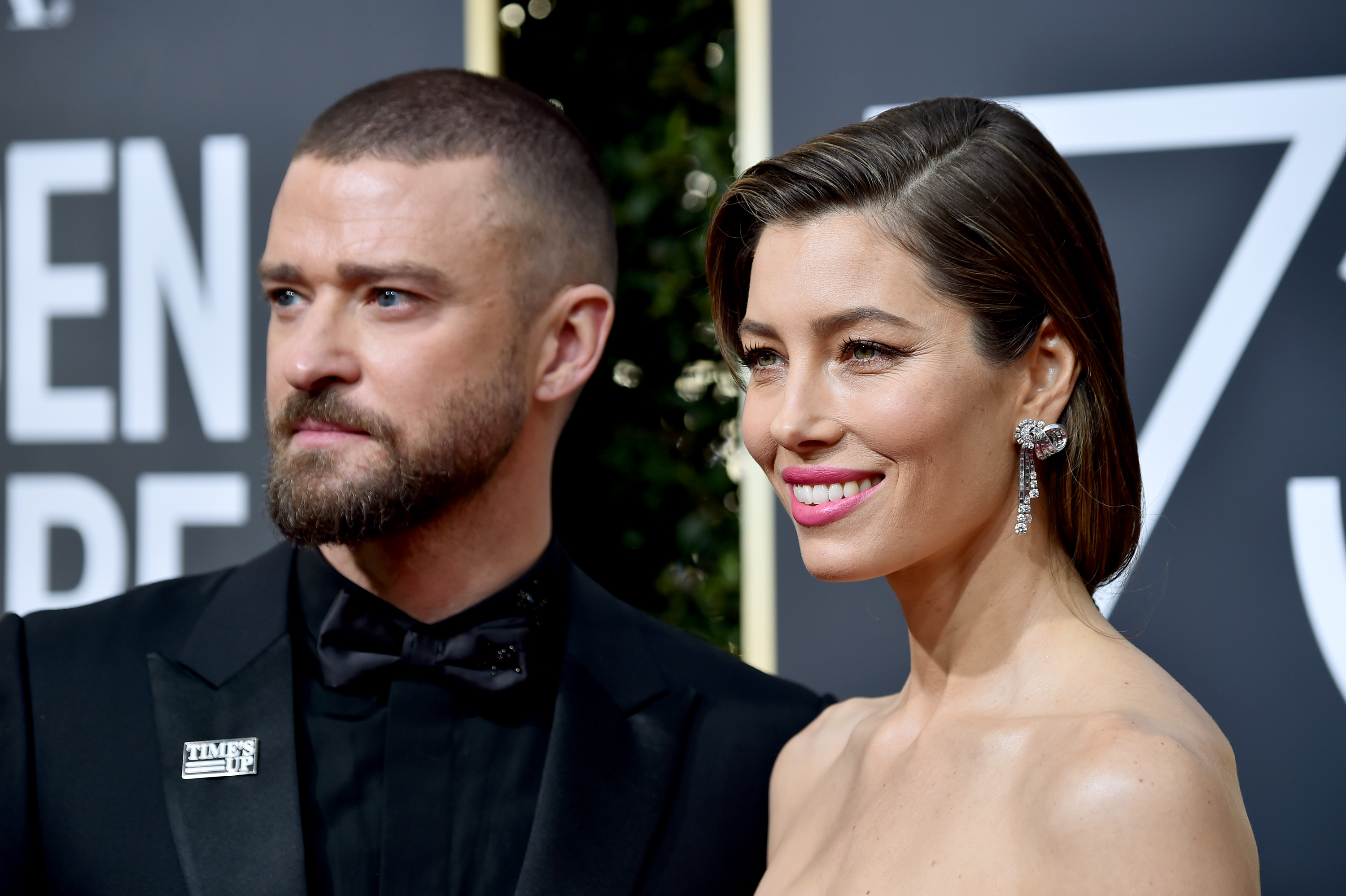Justin Timberlake has publicly apologised to Jessica Biel over the photos of him and his co-star