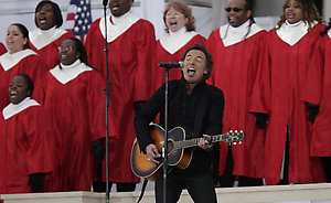 "Bruce Springsteen performs during the "" We Are One: Opening Inaugural Celebration at the Lincoln Memorial"" in Washington, Sunday, Jan. 18, 2009. (AP Photo/Carolyn Kaster)"