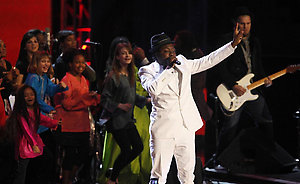 Image #: 6902836 Will-I-Am performs at the Neighborhood Ball in Washington, D.C., Tuesday, January 20, 2009. Chuck Kennedy/MCT /Landov