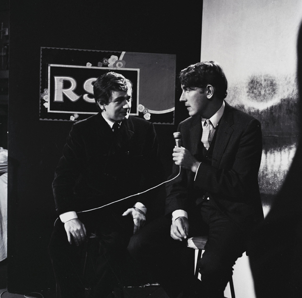 Dudley Moore & Peter Cook on stage Ref: PGH126027 Date: 22.04.1966. COMPULSORY CREDIT: Starstock/Photoshot