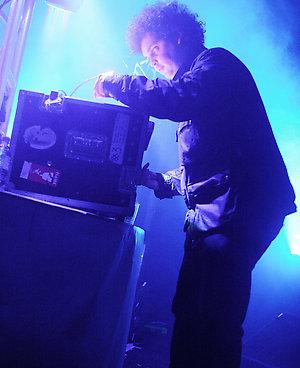 Simian Mobile Disco NME Award Show