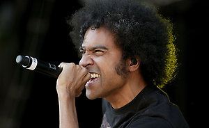 Martin DuVall, the new vocalist of Alice in Chains performing.