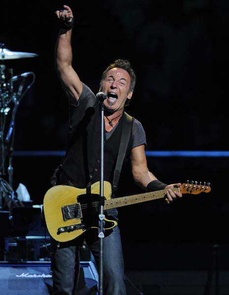 Bruce Springsteen performs with the E Street band during their 'Working on a Dream tour' Thursday, May 21, 2009 in East Rutherford, N.J. (AP Photo/Bill Kostroun)