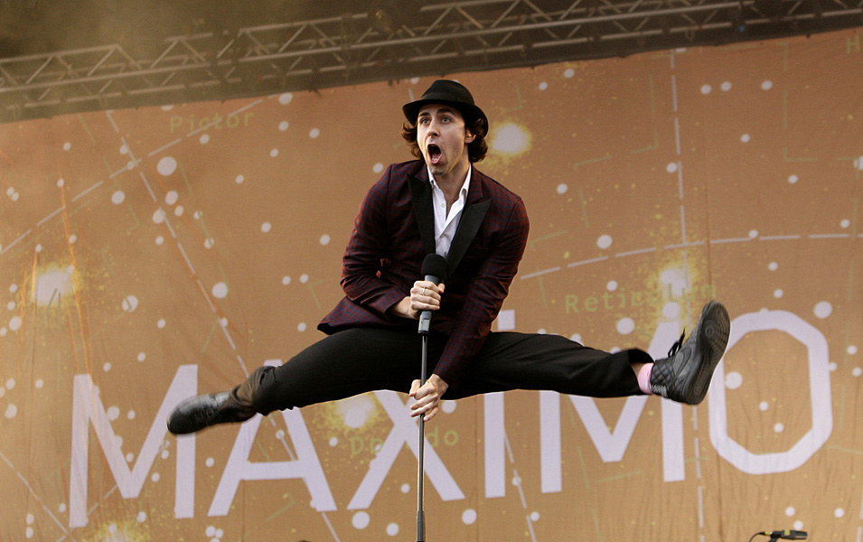 Paul Smith of Maximo Park performing during the Isle of Wight festival, in Newport on the Isle of Wight. ** EDITORIAL USE ONLY **