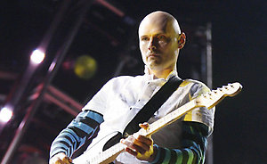 NO MERCHANDISING / EDITORIAL USE ONLY : Billy Corgan of the Smashing Pumpkins performing on the Main Stage at the Reading Festival.