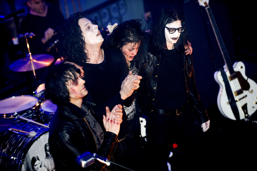 The Dead Weather perform live at Shoreditch Church in East London ... 31-10-2009 ... Photo by: Matt Crossick/EMPICS Entertainment.URN:7982780