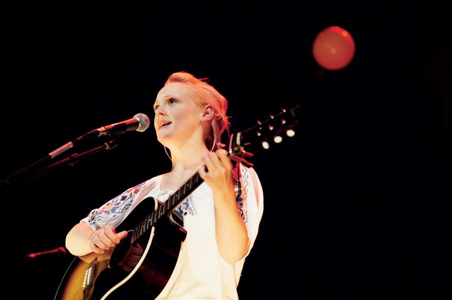 Laura Marling Live at Royal Festival Hall, 11/08/09, nme, ipc media