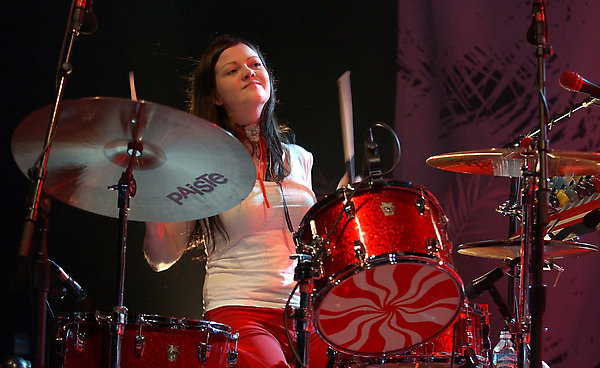Jack White defends Meg's drumming skills - NME