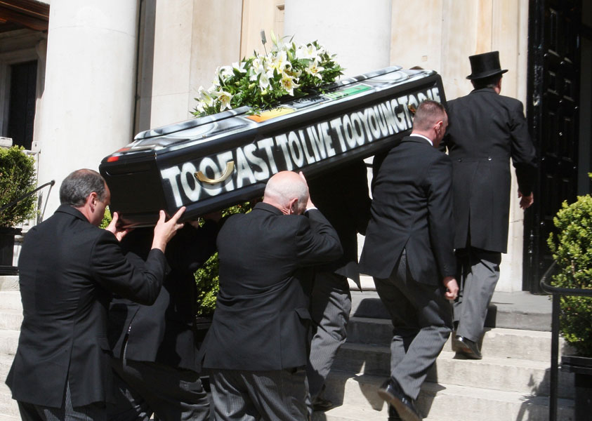 Malcolm McLaren given flamboyant send-off at London funeral - NME