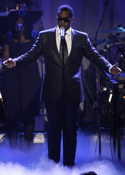 """Rapper Sean """"P. Diddy"""" Combs performs at the Clive Davis pre-Grammy party in Beverly Hills, Calif. on Saturday, Feb. 7, 2009. (AP Photo/Dan Steinberg)"""