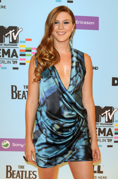 Joss Stone arriving for the 2009 MTV Europe Music Awards at the O2 World in Berlin, Germany.