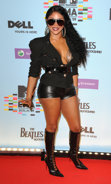 Lil' Kim arriving for the 2009 MTV Europe Music Awards at the O2 World in Berlin, Germany.
