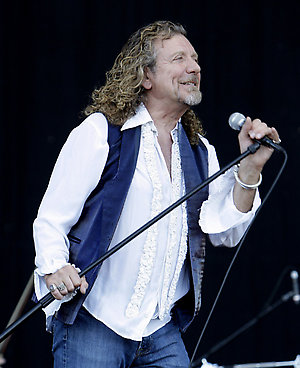 Robert Plant performs at the Bonnaroo music festival in Manchester, Tenn., Sunday, June 15, 2008. (AP Photo/Mark Humphrey)