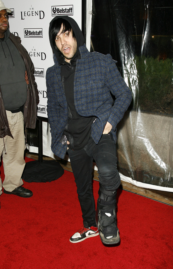 Pete Wentz from Fall Out Boy showing the cast on his leg  The New York Premiere of I AM LEGEND, at the Theatre at Madison Square Garden. December 11, 2007.     © John Spellman / Retna Ltd.  -Picture By: Retna Ltd / Retna Pictures Job:36419 Ref: RNY   - Non-Exclusive UK Rights Only *Unbylined uses will incur an additional discretionary fee!*