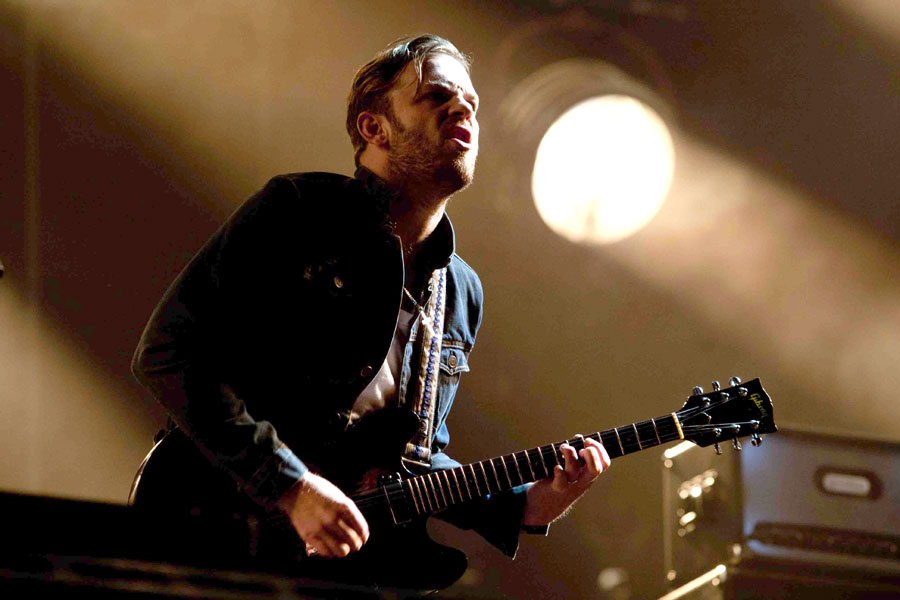Kings Of Leon joke about 'porn star' past at Isle Of Wight - NME - 웹