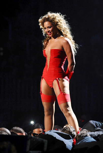 Beyonce on stage at the 2009 MTV Europe Music Awards at O2 World in Berlin, Germany.