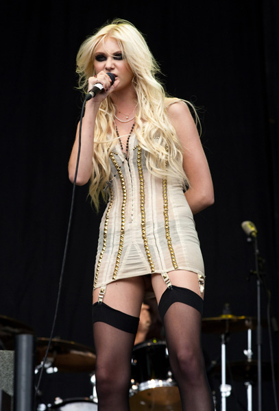 Taylor Momsen of The Pretty Reckless performing on the 4 Music Stage, during the V Festival at Hylands Park in Chelmsford, Essex. PRESS ASSOCIATION Photo. Picture date: Saturday August 21, 2010. Photo credit should read: Yui Mok/PA Wire