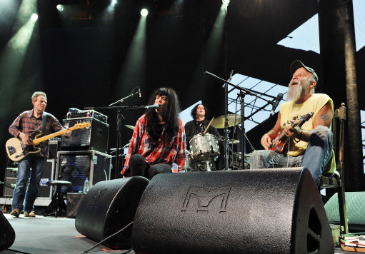 Seasick Steve (right) with guests (left to right) John Paul Jones, bassist of Led Zeppelin, singer Alison Mosshart of The Kills and Jack White of White Stripes on drums, perform on stage at the Roundhouse, Chalk Farm, London, as part of the iTunes Festival 2011.
