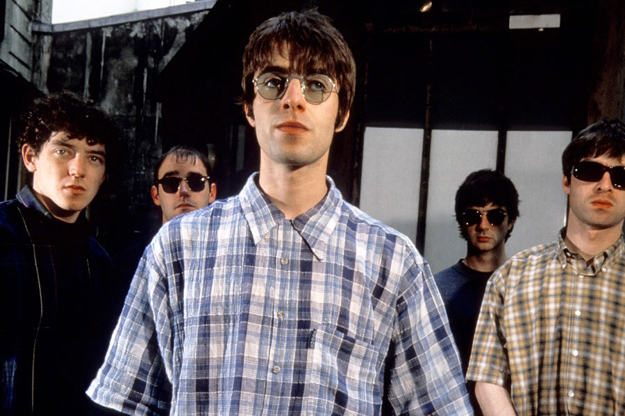 Noel and Liam's Wibbling Rivalry - A history of music's ... Oasis Band 1995