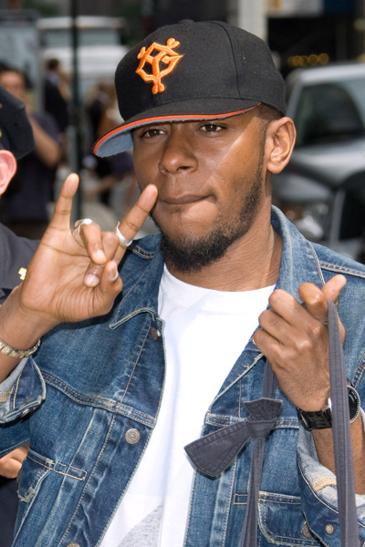 "Mos Def arrives for a taping of ""The Late Show with David Letterman"" in New York, Monday, June 8, 2009. (AP Photo/Charles Sykes)"