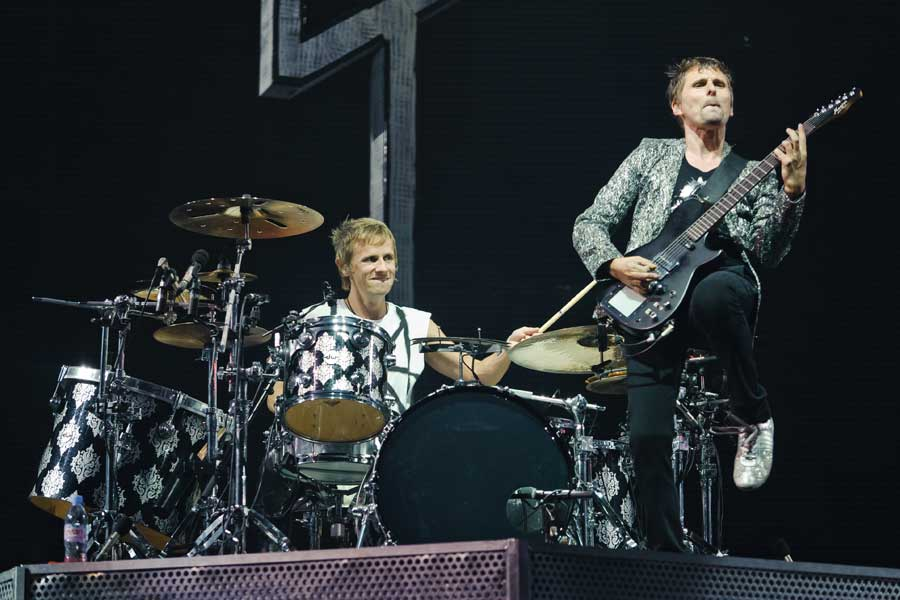 Muse's 'Hysteria' voted best bassline of all time - NME