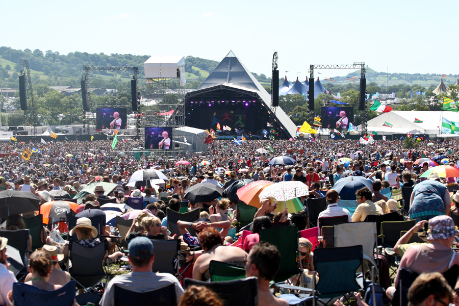Live, Posed & Atmosphere from Glastonbury 2011