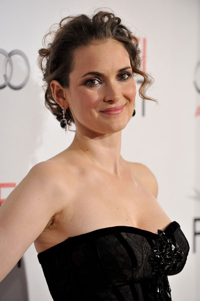 Winona Ryder replaces ...
