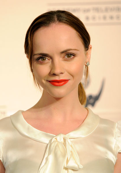 Christina Ricci Talks Robert Pattinson Bel Ami Video