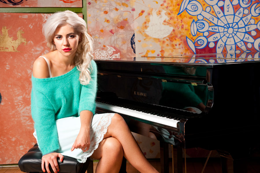 Marina And The Diamonds Claim First Uk Number One Album Nme