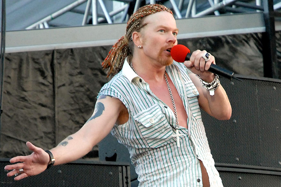 18 Reasons Why Axl Rose Is The Biggest Douchebag In Rock Nme