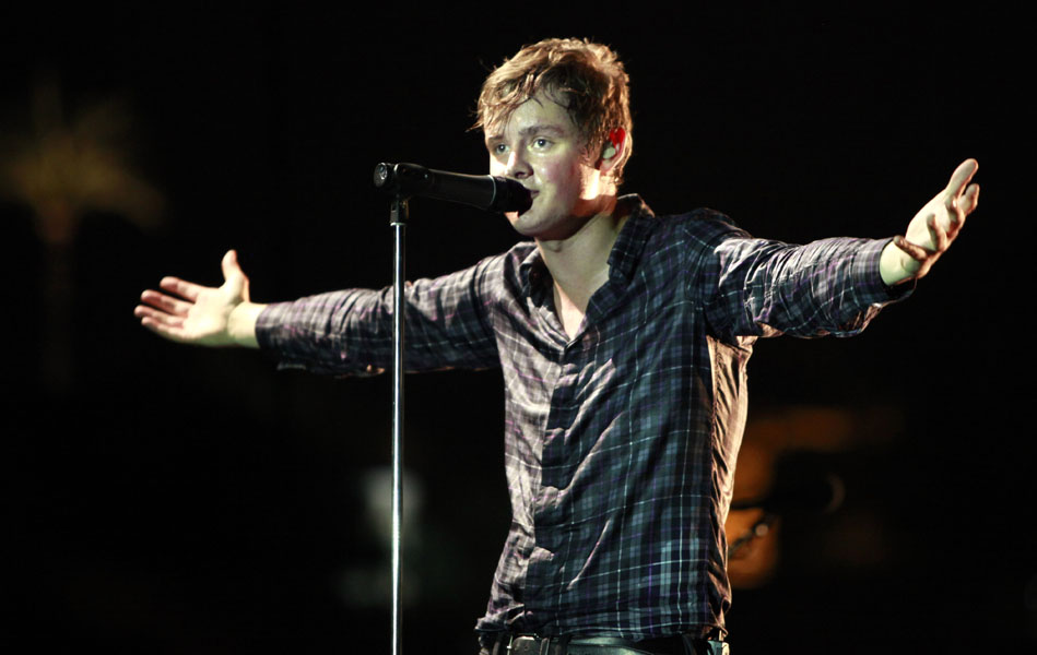 Singer Tom Chaplin of the British rock band Keane, performs at the Byblos International Festival, in the coastal town of Byblos, north of Beirut, Lebanon, Monday, July 6, 2009. (AP Photo/Grace Kassab)