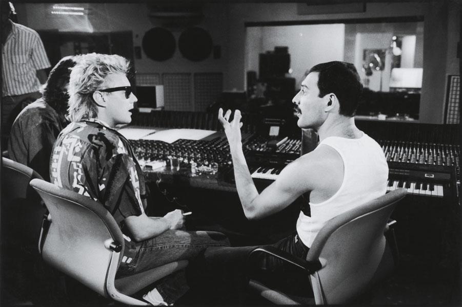 Queen en el estudio. Foto por Peter Hince.