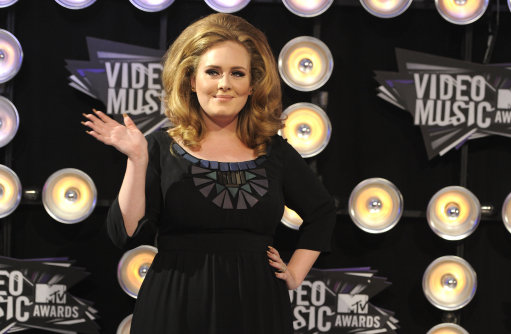 Adele arrives at the MTV Video Music Awards on Sunday Aug. 28, 2011, in Los Angeles. (AP Photo/Chris Pizzello)