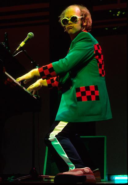 Elton John S Top 10 Batshit Crazy Concert Outfits Nme