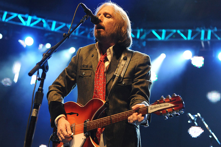 Remember Tom Petty with these 10 incredible songs - NME