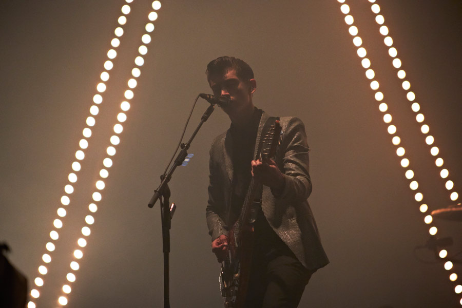 Arctic Monkeys interested in headlining Glastonbury for third time