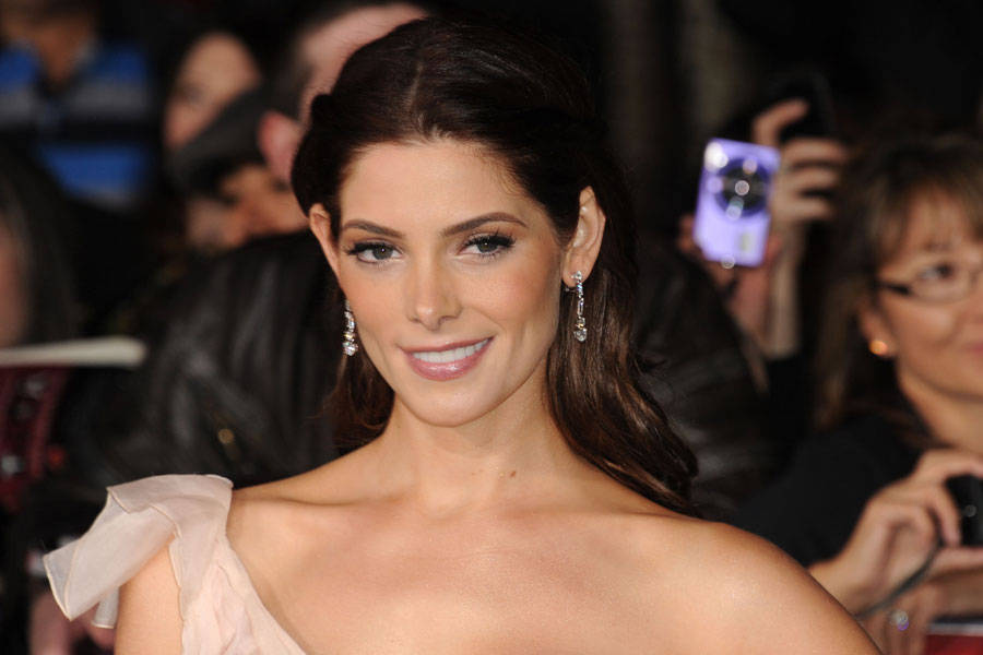 Twilight star ashley greene replaces anna kendrick in zach twilight star ashley greene replaces anna kendrick in zach braffs kickstarter film voltagebd Images