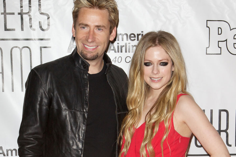 Who is avril lavigne dating august 2012