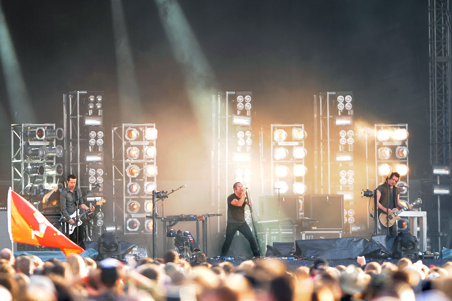 Nine Inch Nails share \'Self Destruct\' tour documentary featuring ...