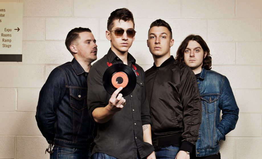 Arctic Monkeys unveil brand new song 'Do I Wanna Know?' at California gig – watch