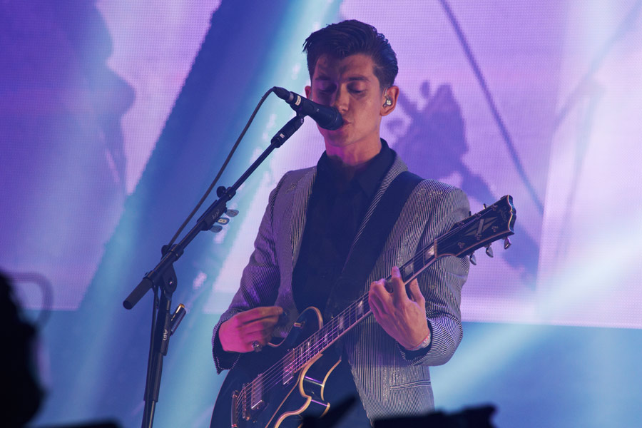 Arctic Monkeys 'Do I Wanna Know?' named Best Festival Anthem of 2013 by NME readers