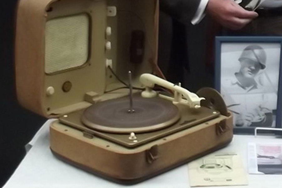 Elvis Presley's record player sells for £4,400 at auction - NME
