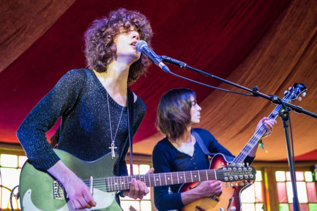 Temples Nme