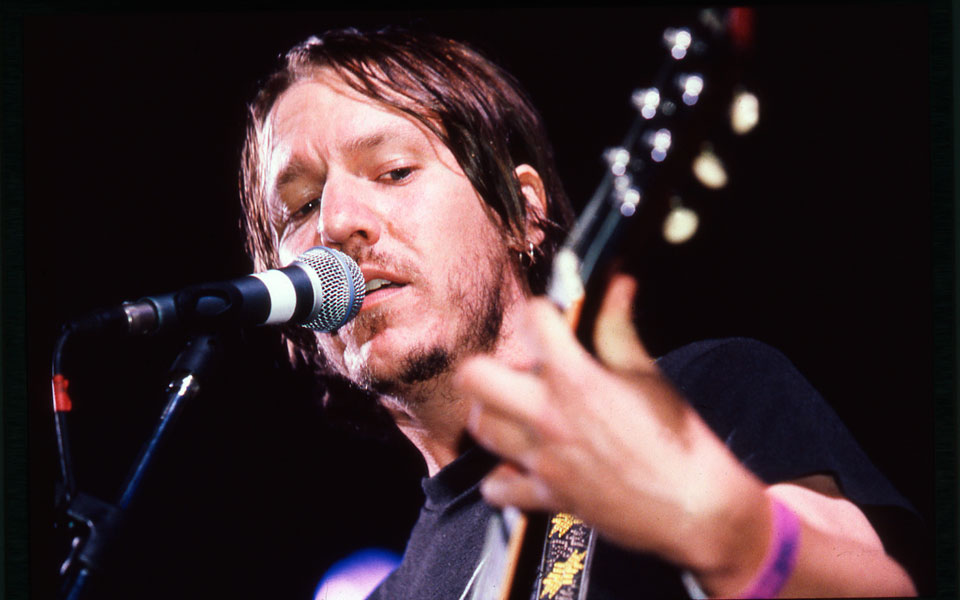 Elliott Smith documentary 'Heaven Adores You' to premiere