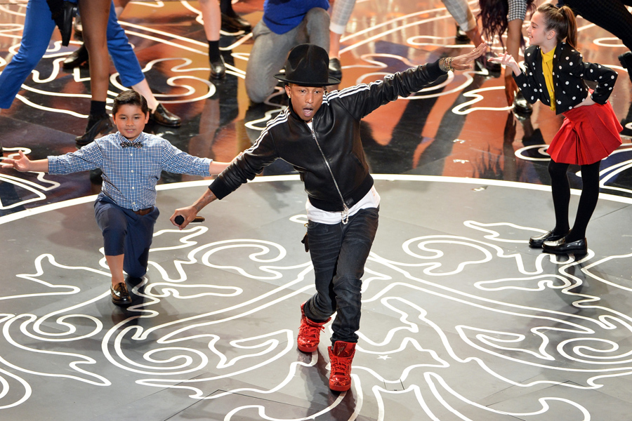 Iran releases Pharrell Williams fans held over video for 'Happy'