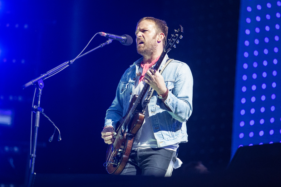 Fans get naked as Kings Of Leon close Day Three of Isle Of Wight ...
