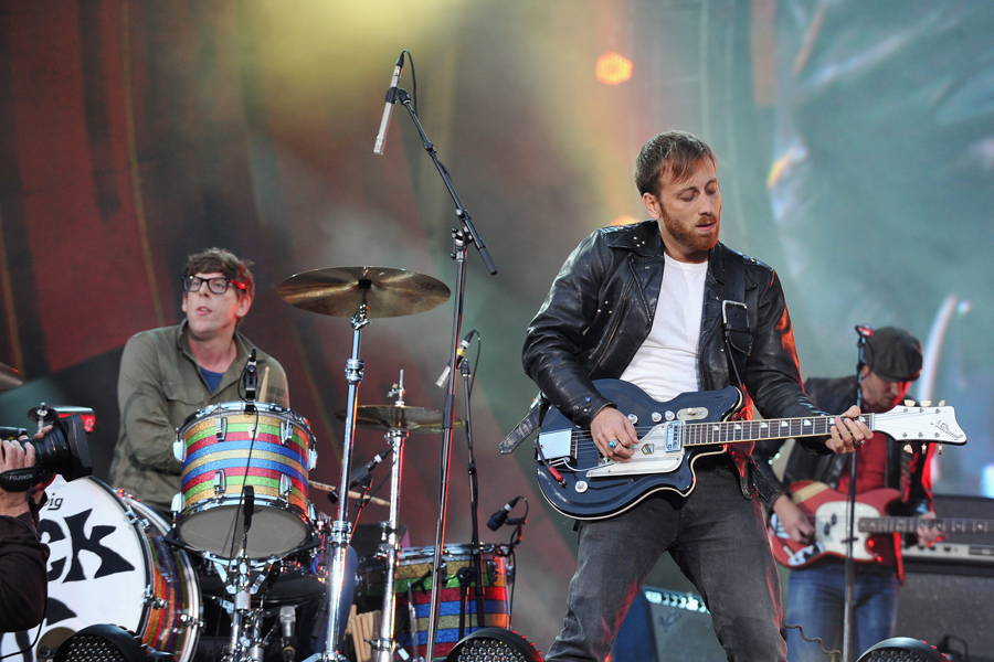 The Black Keys experiment with sampling on new album 'Turn Blue'