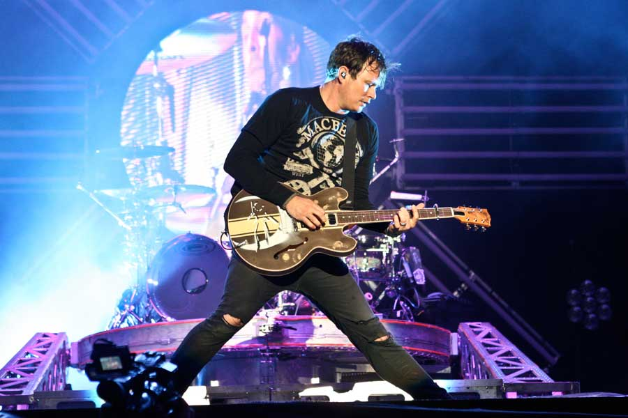 a3837b6d9918 Blink-182 post brand new song  Heart s All Gone  online – audio - NME