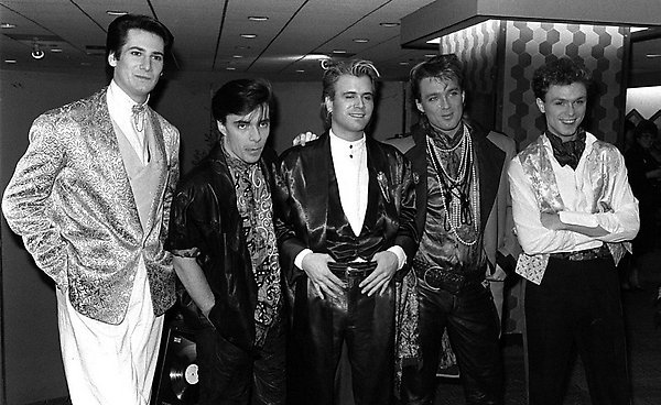 NEW ROMANTIC POP GROUP SPANDAU BALLET WHO ARE, FROM LEFT, SINGER TONY HADLEY, 24, DRUMMER JOHN KEEBLE, SAXOPHONIST STEVE NORMAN, 24, AND BROTHERS, BASS PLAYER MARTIN AND GUITARIST/SONGWRITER GARY KEMP. ORIGINALLY FIVE WORKING CLASS BOYS FROM ISLINGTON, NORTH LONODN, THEY HAVE BECOME POP MILLIONAIRES WITH HIT SONGS LIKE 'MUSCLEBOUND' AND'TRUE'. THEY HAVE BEEEN FRIENDS SINCE THEY WERE 11 YEARS OLD.